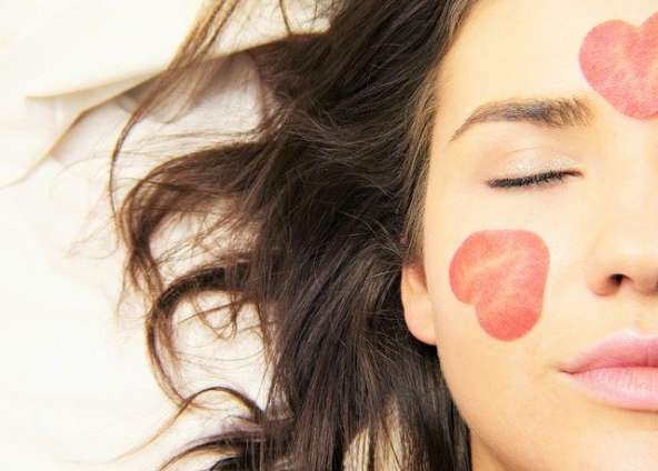 Augen und Lippenpflege
