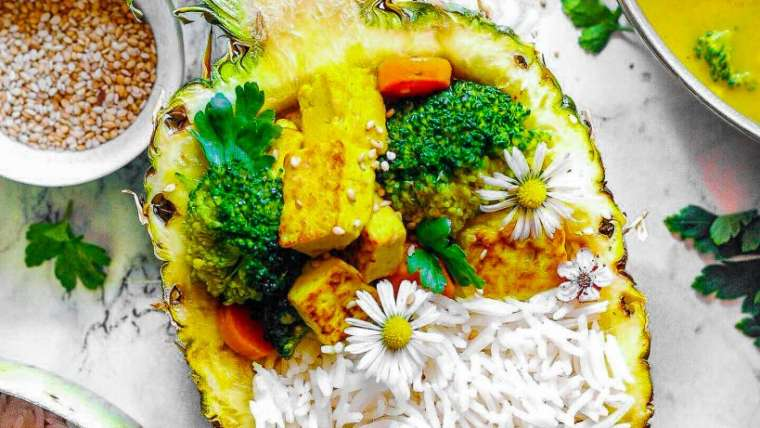 Tofu Ananas Curry mit Brokkoli