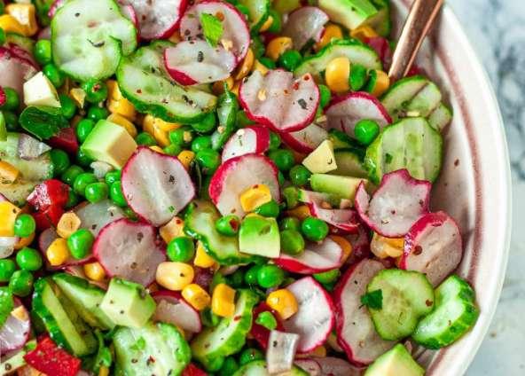 Gurken-Avocado Salat